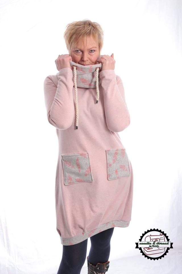 Kleid NIKE Damen   Fadenkäfer